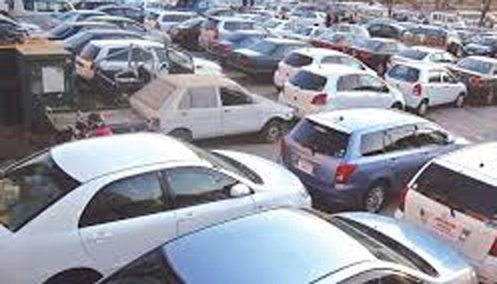 معروف تجارتی عمارتوں میں کار پارکنگ بحالی کے سلسلے میں خصوصی مہم جاری