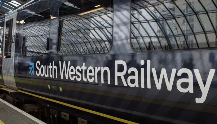 ساؤتھ ویسٹرن ریلوے ورکرز نے 27 روزہ ہڑتال شروع کردی