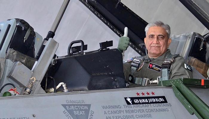 آرمی چیف کا دورہ مصحف ایئربیس، ایف16 میں بیٹھ کر جنگی مشق میں حصہ لیا