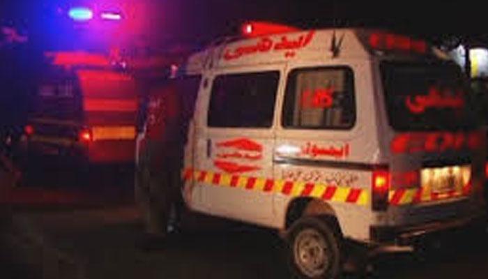 مختلف واقعات، ٹریفک حادثات میں 2 خواتین جاں بحق، بچوں سمیت 5 زخمی