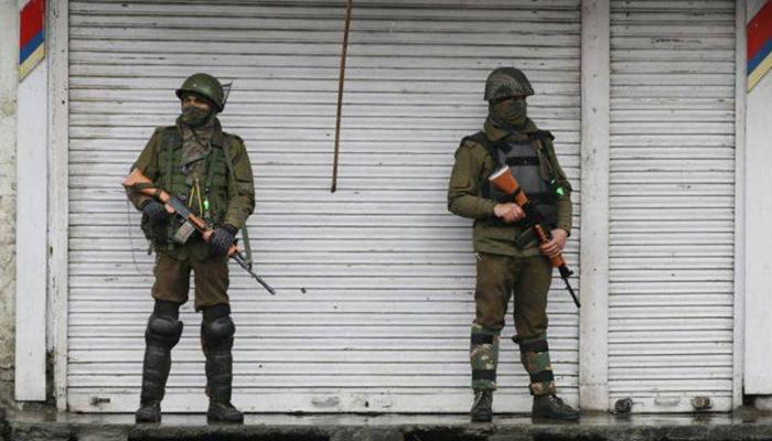 بھارتی فوج کے اہلکار نے  5 ساتھیوں کو قتل کرکے خودکشی کرلی