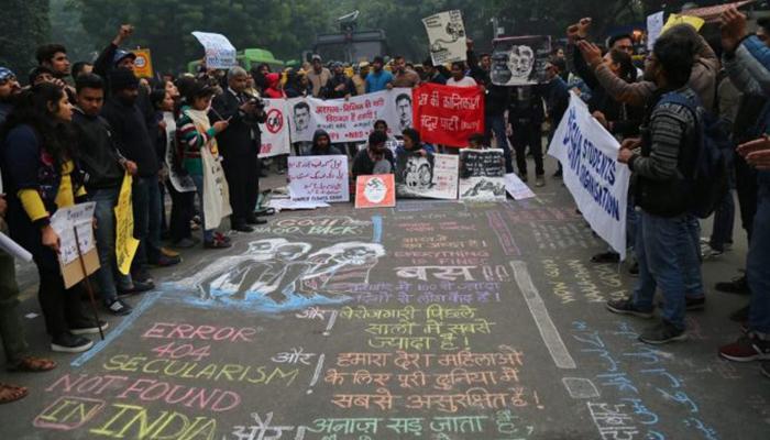 متنازع شہریت قانون، بھارتی نوجوانوں کے مزاحمت کے نت نئے طریقے