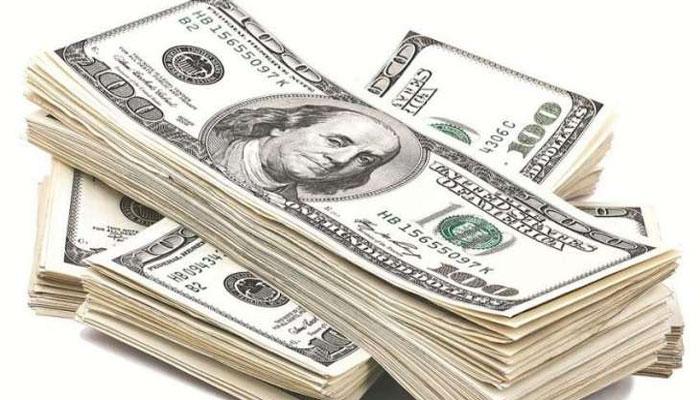 کرنسی مارکیٹ ،انٹر بینک میں ڈالر 2پیسے جب کہ اوپن مارکیٹ میں30پیسے سستا