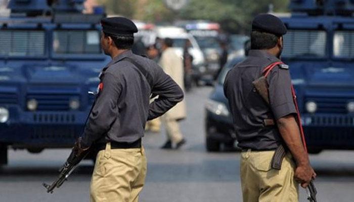 پولیس کی کارروائی،مسافر کوچ سے پانچ من مضر صحت چھالیہ برآمد