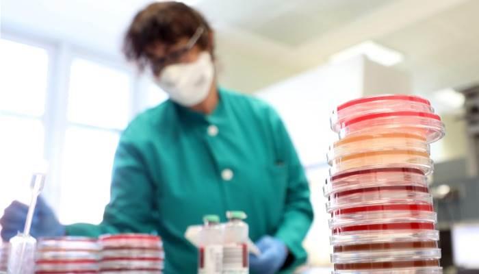 کرنسی سے بھی کرونا وائرس پھیل سکتاہے،نئی وارننگ