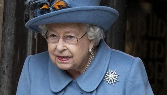 شاہی محل کے ملازم میں کورونا ملکہ برطانیہ قرنطینہ میں چلی گئیں