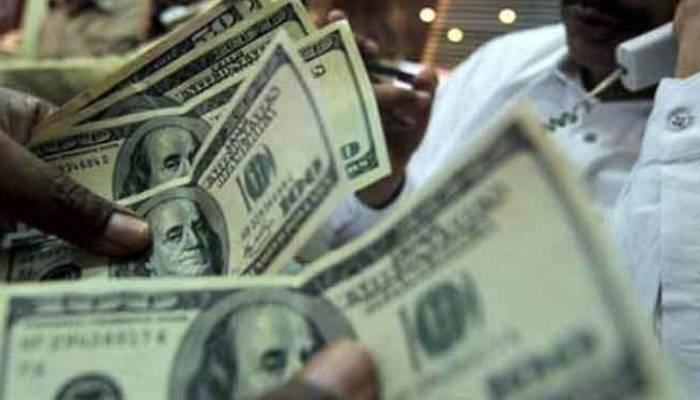 اوپن مارکیٹ، ڈالر کی قدر میں ایک روپیہ اضافہ