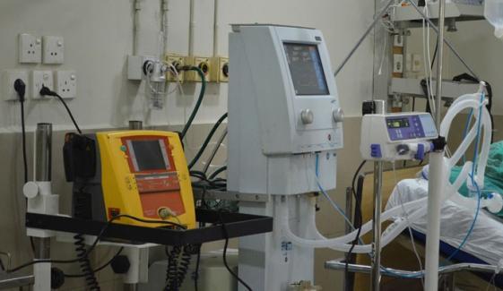 ایمرجنسی کی صورت میں ایک وینٹی لیٹر پر چار مریض زندہ رہ سکیں گے