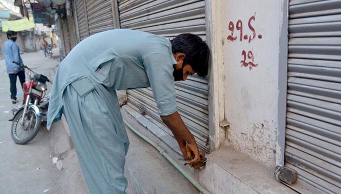 ٹنڈومحمدخان:دودھ کی د کا نیں جلد بند ، خریدار اور دکان دار پریشان