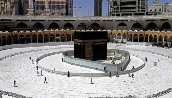 آج سے خانہ کعبہ ،مسجد نبوی کھل جائینگے ،ماسک اور فاصلہ لازمی، مساجد میں رکھے قرآن مجید پڑھنے کی ممانعت ،تراویح اور نماز عید پر پابندی برقرار