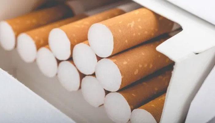 ریلوے گودام پر چھاپہ، سگریٹ کے ہزاروں پیکٹ ضبط کر لئے گئے