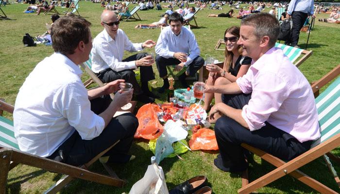 برطانیہ میں لاک ڈاؤن کی نرمی سے رونقیں بحال اور کاروبار میں اضافہ ہوگا، مقررین