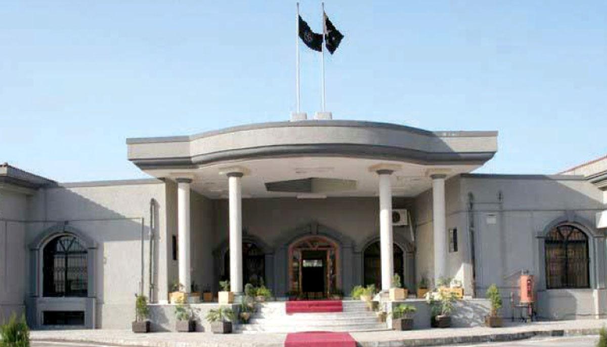 اسلام آبادہائیکورٹ،مندر تعمیرکیخلاف درخواست پرCDA سے جواب طلب