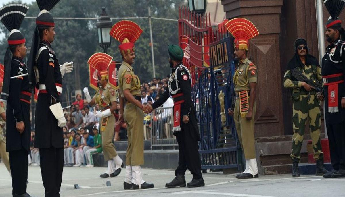 واہگہ کے راستے پاکستانی اور بھارتی سفارتکاروں کی آمد و روانگی