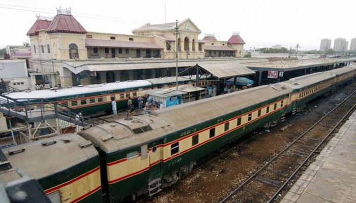 کراچی سرکلر ریلوے کی بحالی کیلئے آزمائشی طور پر ٹرین چلانے کا فیصلہ