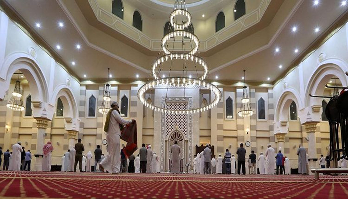 برطانیہ میں 16ہفتے بعد مساجد میں نماز کی ادائیگی شروع