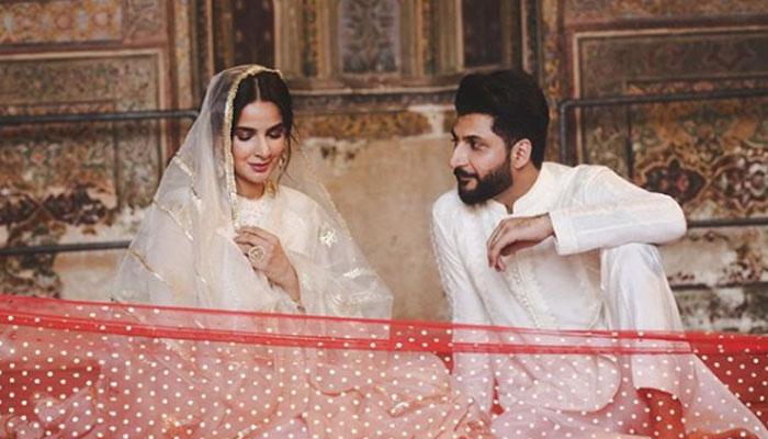 مسجدوزیر خان میں ریکارڈنگ اداکارہ،صبا قمراورگلوکاربلال سعید کیخلاف اندراج مقدمہ کی درخواست وزیراعلیٰ پنجاب نےبھی نوٹس لےلیا