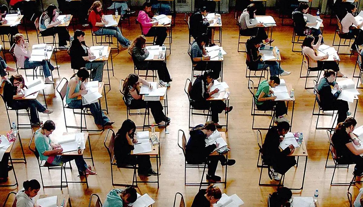اے لیول نتائج،برطانوی اساتذہ کی جانب سے کی گئی 40فیصد تشخیص میں کمی