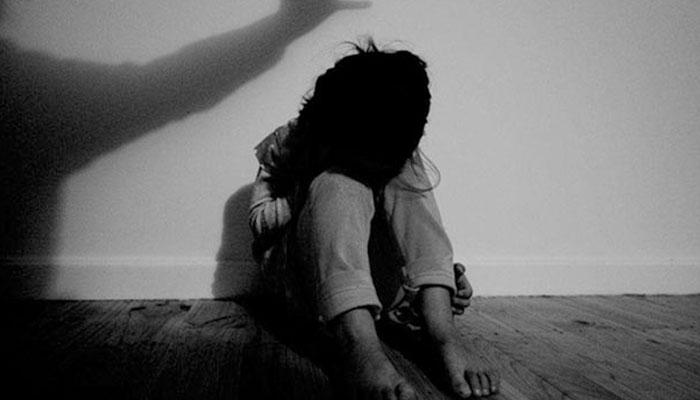 ریپ کے مجرموں کیلئے سزائے موت کا قانون لانے پر غور