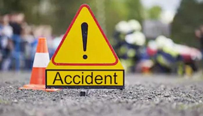 عمرکوٹ: زائرین کی کار کو حادثہ، 6 افراد ہلاک، ایک شدید زخمی