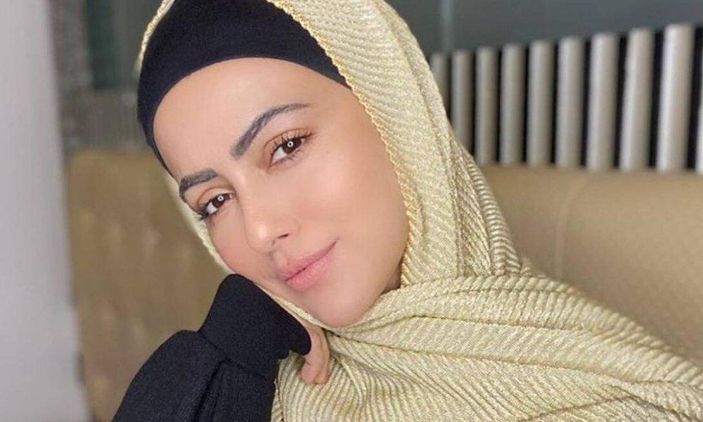 سابقہ بولی وڈ اداکارہ ثنا خان عمرے کی سعادت حاصل کرنے کی خواہشمند