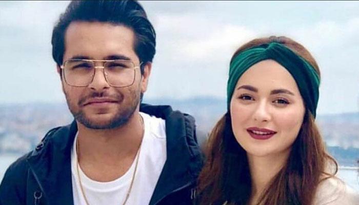 ہانیہ عامر نے گلوکار عاصم اظہر کو انسٹاگرام سے فالو کرنا ترک کردیا