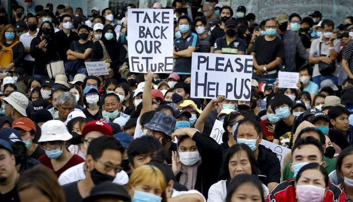 تھائی لینڈ میں مظاہروں کا سلسلہ پھر شروع، وزیراعظم کے استعفے کا مطالبہ