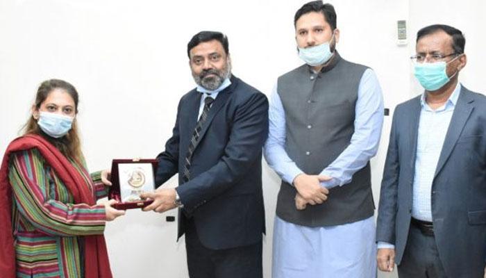 رکن صوبائی اسمبلی سعدیہ جاوید جامعہ کراچی کی سینڈیکٹ کی رکن مقرر
