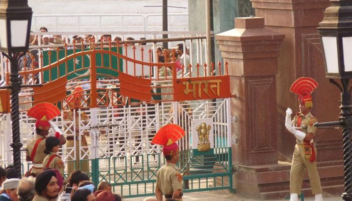 پاکستان نے سزا مکمل ہونے پر 5 بھارتیوں کو واپس بھیج دیا