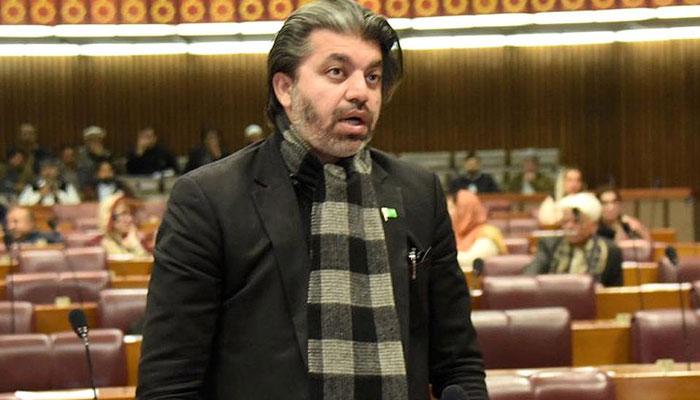 ریڈیو ملازمین کے معاملہ پر وزیراطلاعات سے بات کروں گا، علی محمد خان