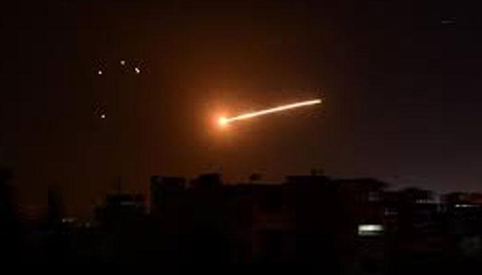 شام میں ایرانی تنصیبات پر اسرائیلی فضائی حملہ، متعدد جنگجو ہلاک