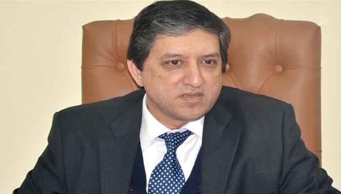 سلیم مانڈوی والا نے نیب کے خلاف تحریک استحقاق جمع کرادی
