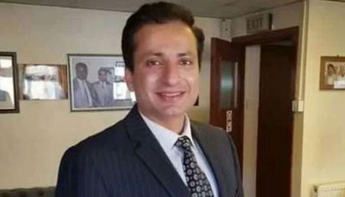 اراضی کرپشن معاملہ، محسن شاہنواز رانجھا اور انکی فیملی کیخلاف مقدمہ درج، گرفتاری کیلئے چھاپے