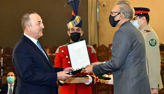 ترکی کے وزیرخارجہ کو ہلال پاکستان ایوارڈسے نوازاگیا