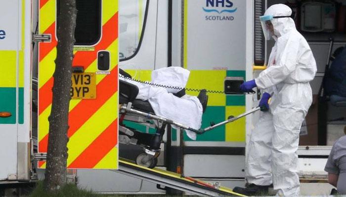 کورونا وائرس کی وبا سے دوسری جنگ عظیم کے بعد سب سے زیادہ اموات، NHS نے اضافی عملہ مانگ لیا
