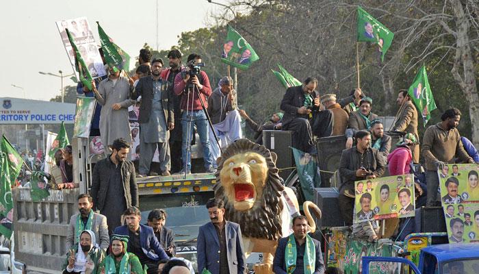 پی ڈی ایم کا پاور شو ناکام، لیگی قیادت راولپنڈی سے صرف 1500افراد لے جاسکی