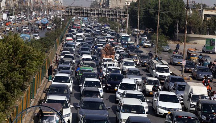 شارع فیصل سمیت مختلف سڑکوں پر بد ترین ٹریفک جام