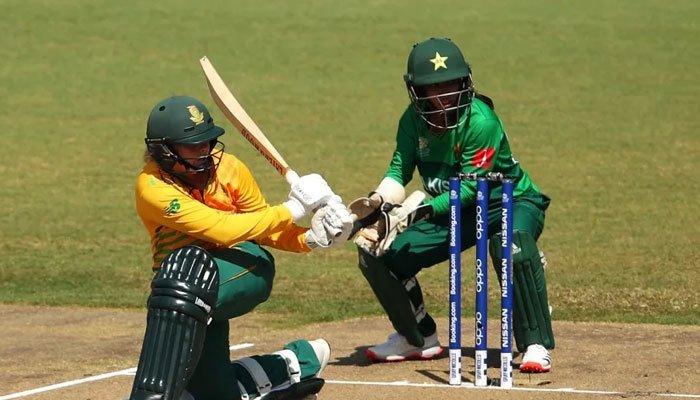 جنوبی افریقا نے دوسرے ون ڈے میچ میں پاکستان خواتین کو 13رنز سے ہرا کر سیریز میں دو صفر کی برتری حاصل کر لی