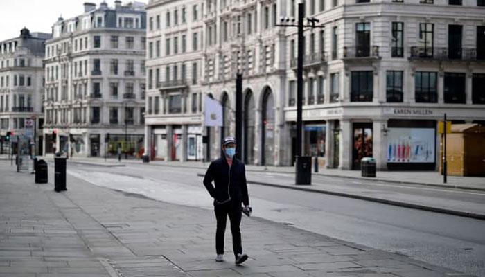 برطانیہ میں 50 فیصد آجرین اگلے ہفتوں کے دوران نئی بھرتیاں کریں گے، بعض بڑے سیکٹرز بقا کی جنگ میں مصروف