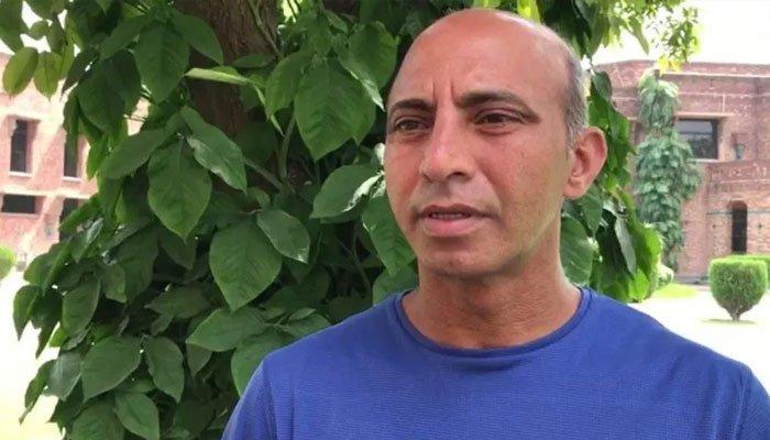 بولنگ کوچ ہائی پرفارمنس سینٹر زاہد مستعفی