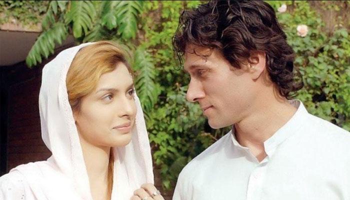 فلم کپتان میں جمائما کا کردار ادا کرنیوالی سعیدہ امتیاز کی بولڈ تصویر پر تنقید