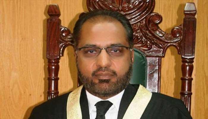 سابق جج شوکت عزیز صدیقی کی چیف جسٹس پاکستان سے اپنے کیس کی سماعت جلد مقرر کرنیکی درخواست