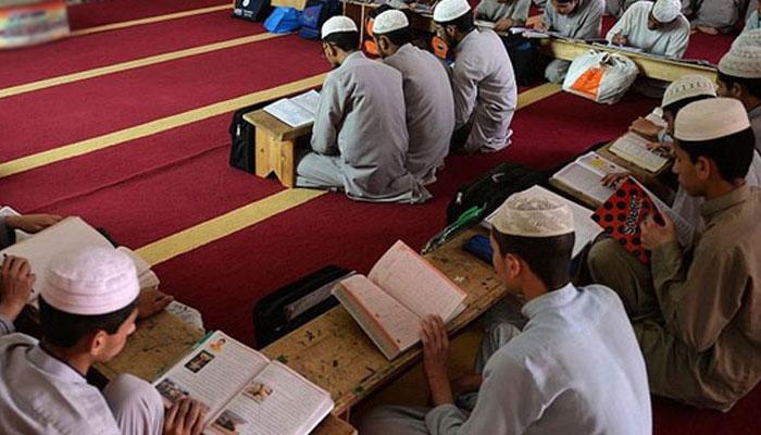 حکومت مدارس کیخلاف کریک ڈاؤن سے باز رہے، مفتی اعظم پاکستان سیمینار کا اعلامیہ