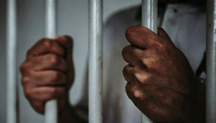 فوج پر تنقید کرنیوالوں کو قید، جرمانے کی سزائوں کا مسودہ قانون منظور