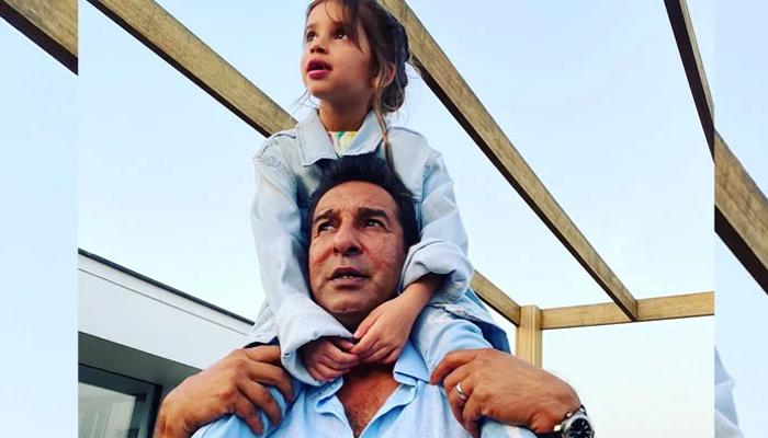 شنیرا اکرم نے باپ کی بیٹیوں کیلئے محبت بیان کردی
