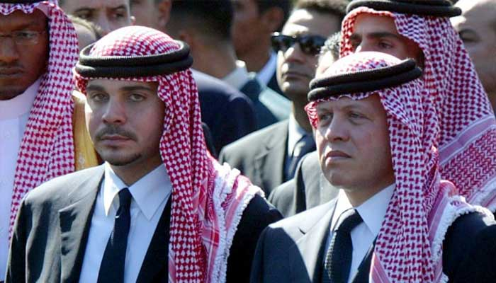 اردن کے شہزادے حمزہ کی ایک ہفتے بعد رہائی بھائی شاہ عبدﷲ کے ساتھ منظر عام پر آگئے