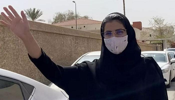 فرانس:  سعودی خاتون کو حقوق کے اعلیٰ یورپی ایوارڈ سے نوازا گیا