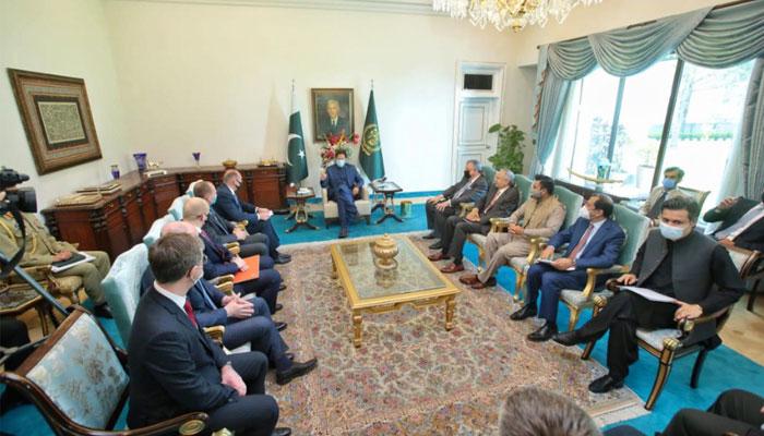 وزیر اعظم سے روسی تاجروں کی ملاقات، جاری منصوبوں میں تیزی لانے پر اتفاق