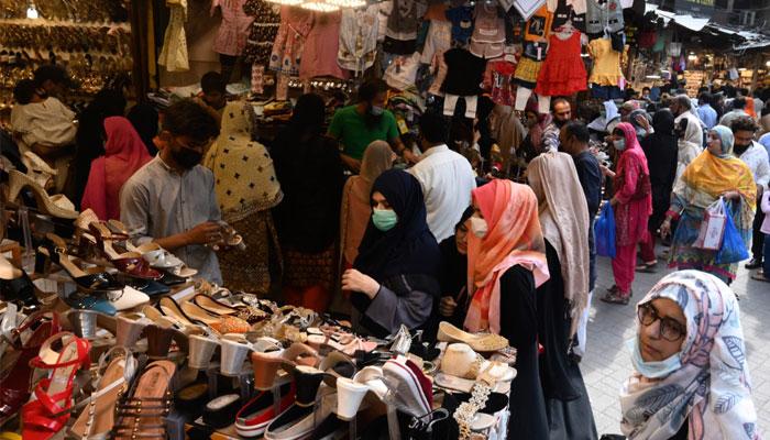 کورونا، مزید 161 اموات، کراچی کے بازاروں میں رش، SOPs نظر انداز