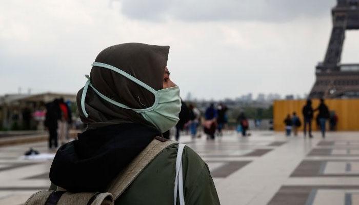 فرانس، حجاب پر مجوزہ پابندی کیخلاف مسلمان خواتین سراپا احتجاج
